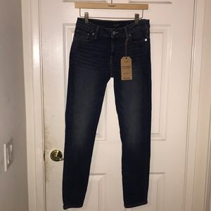 NWT Lucky Brand Lolita Skinny Jeans 6/28 $99